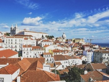 The BEST Hostels in Lisbon, Portugal (April 2019 • REAL Insiders Guide!)